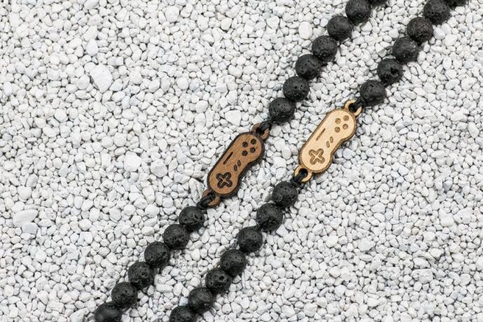 Drewniana bransoletka Pad Merbau Kamień Wulkaniczny