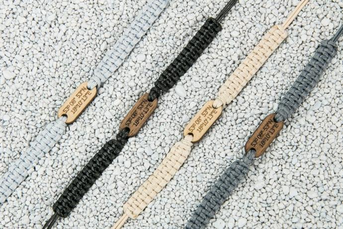 Drewniana bransoletka Koordynaty Merbau Pleciona