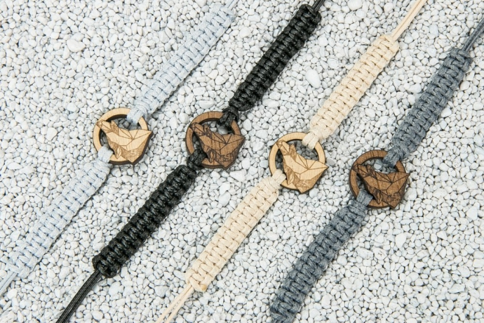 Drewniana bransoletka Wilk Geometryczny Merbau Pleciona