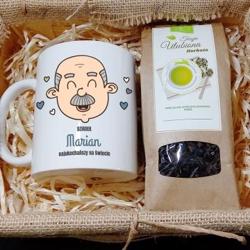 Kubek i herbata w skrzynce dla dziadka