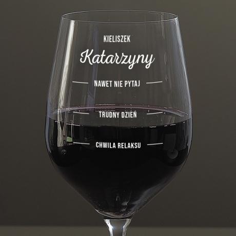 Kieliszek do wina trudny dzień