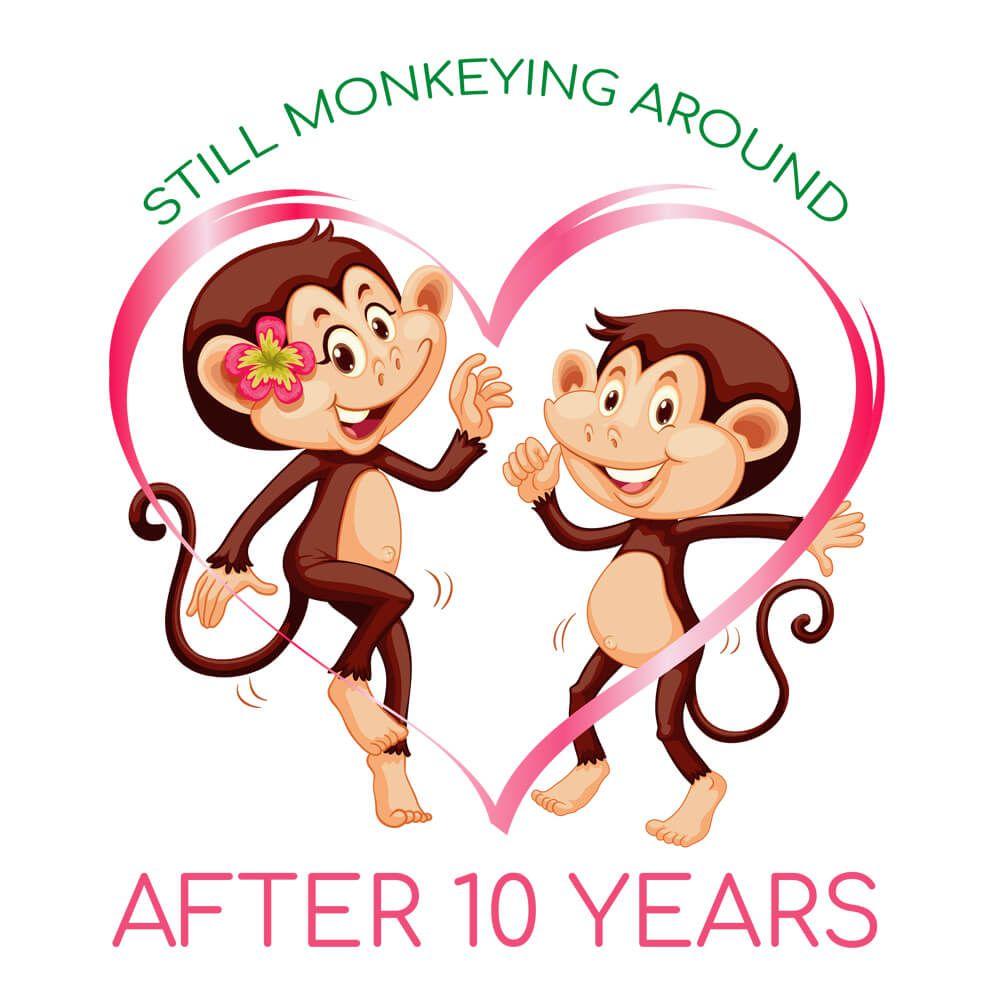 Kubek personalizowany na rocznicę z nadrukiem w małpki