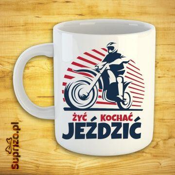 Kubek fana jazdy na motocrossie